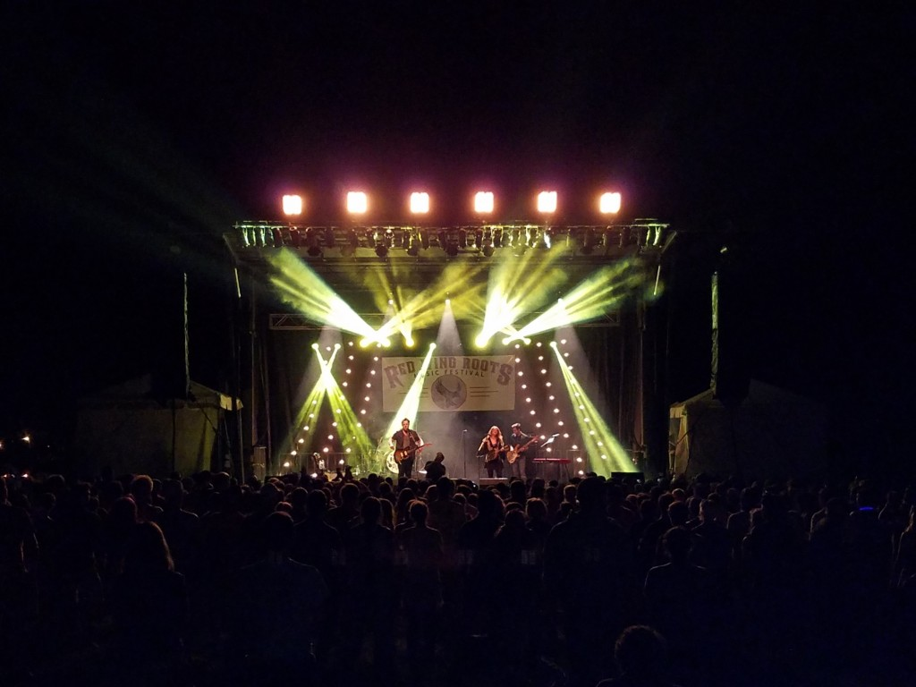 RED WING MAIN STAGE w LIGHTGS